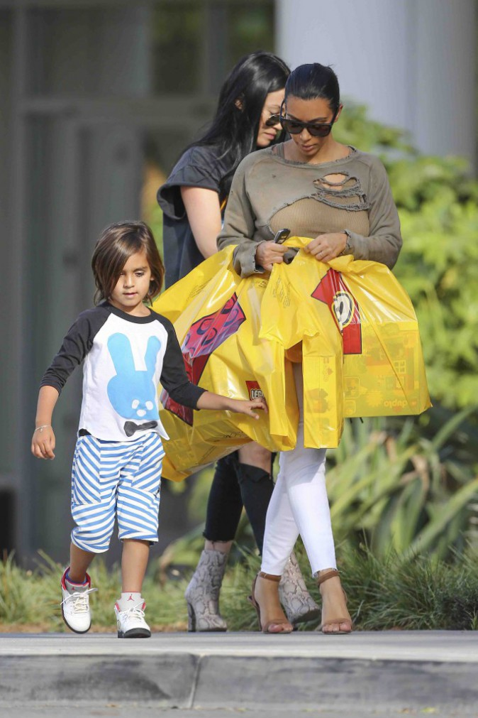 Kim Kardashian : quand elle décide de gâter son neveu, elle ne fait pas semblant !