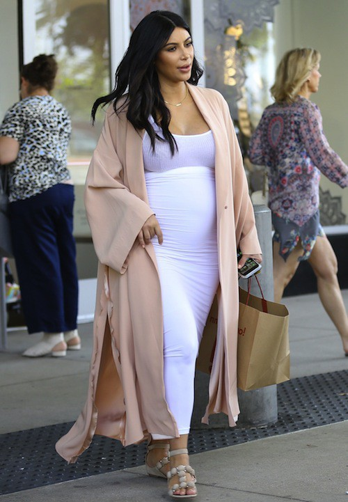 Photos : Kim Kardashian : retour difficile à LA pendant que Kanye s'éclate avec Rihanna !