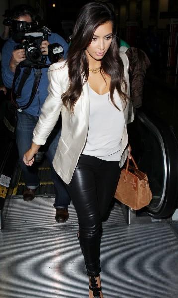 Kim Kardashian à l'aéroport de Los Angeles, le 20 novembre 2012.