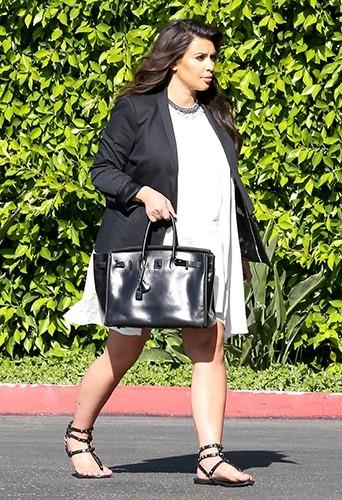 Kim Kardashian : une grossesse pas si confort !
