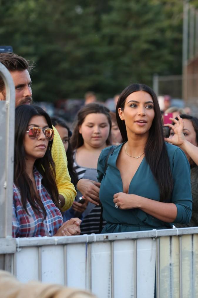 Photos : Kim Kardashian : sexy pour aller s'éclater avec son clan au parc d'attractions !