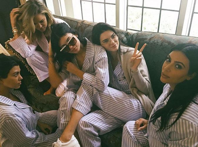 Photos : Kim Kardashian : soirée pyjama entre sœurs et baby bump dévoilé pour sa baby shower !