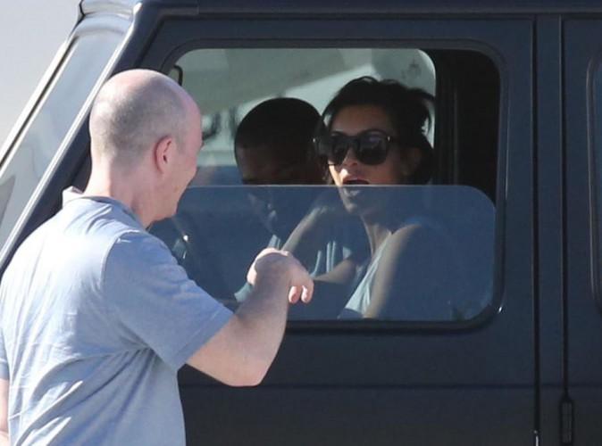 Kim Kardashian : son Kanye chéri de retour, elle le récupère aux pieds de leur jet-privé !