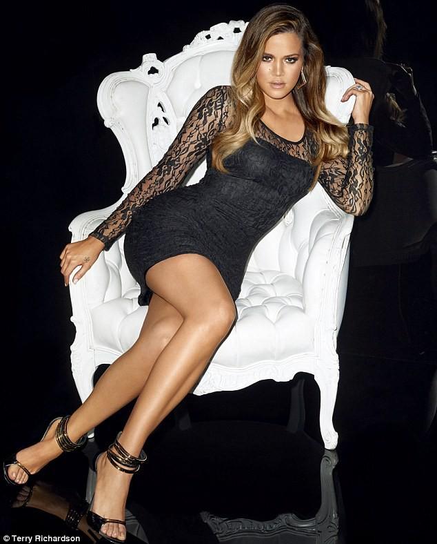 """Khloe Kardashian dans la nouvelle campagne """"Kardashian Kollection for Lipsy""""."""
