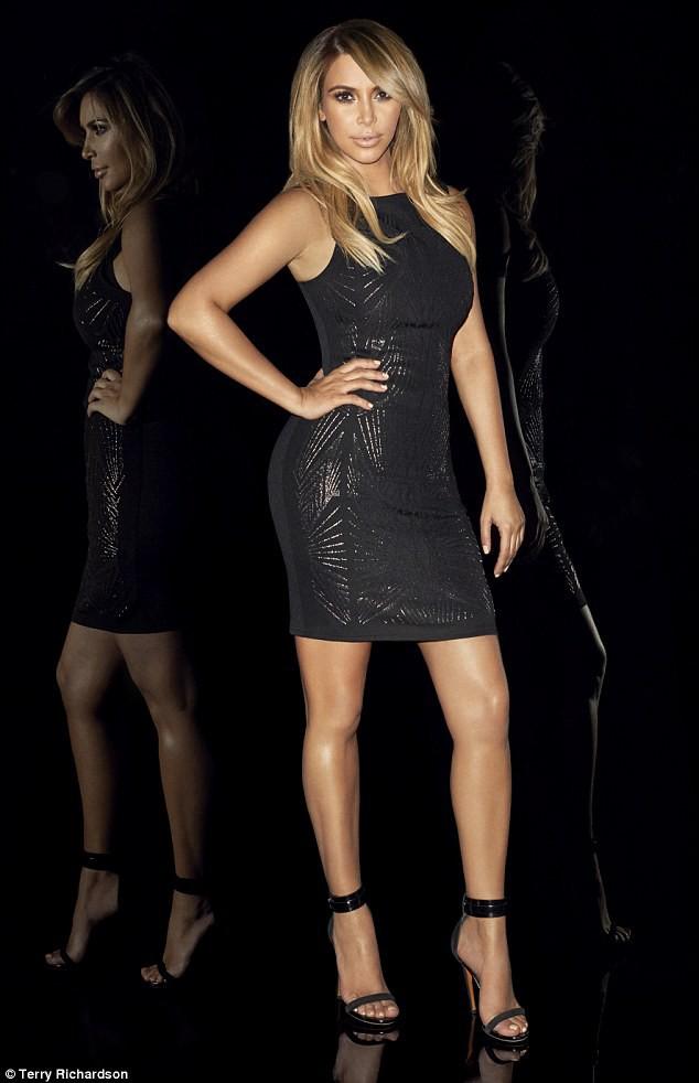 """Kim Kardashian dans la nouvelle campagne """"Kardashian Kollection for Lipsy""""."""