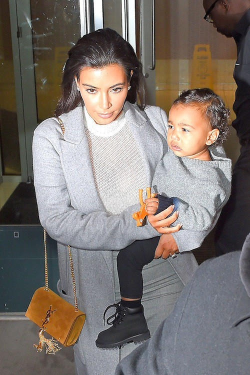 Photos : Kim Kardashian : toujours assortie à North, toujours les seins à l'air !