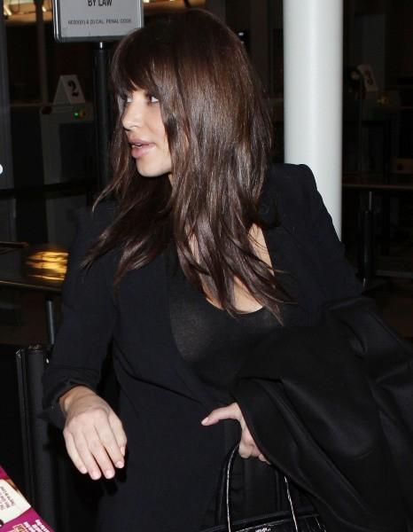 Kim Kardashian à l'aéroport de Los Angeles, le 18 décembre 2012.