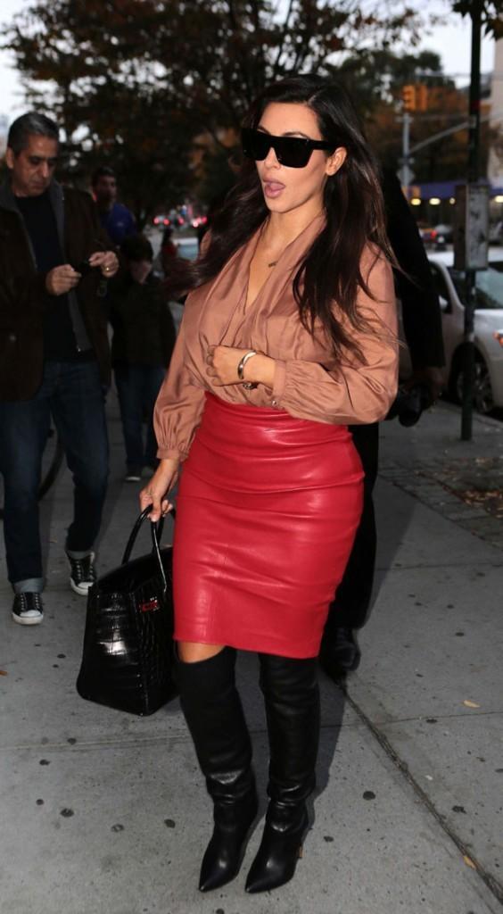 Kim Kardashian devant l'appartement de Kanye West à New-York le 27 octobre 2012