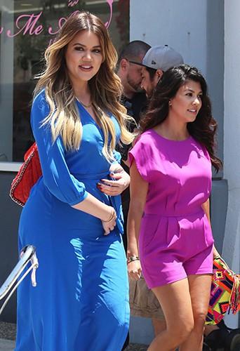 Khloé et Kourtney Kardashian à Los Angeles le 23 juin 2014
