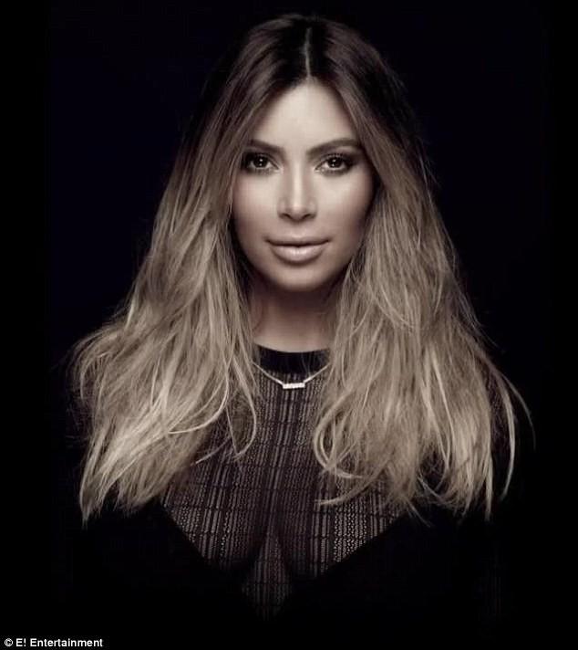 Kim Kardashian pour la promotion de la saison 9 de L'Incroyable Famille Kardashian