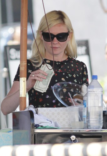 Kirsten Dunst à une baby-shower à Hollywood, le 9 août 2014
