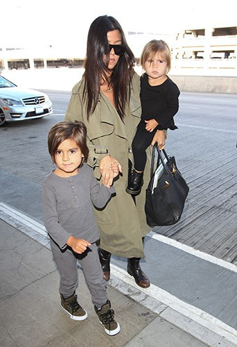 Kourtney Kardashian et ses enfants à Los Angeles le 18 mai 2014