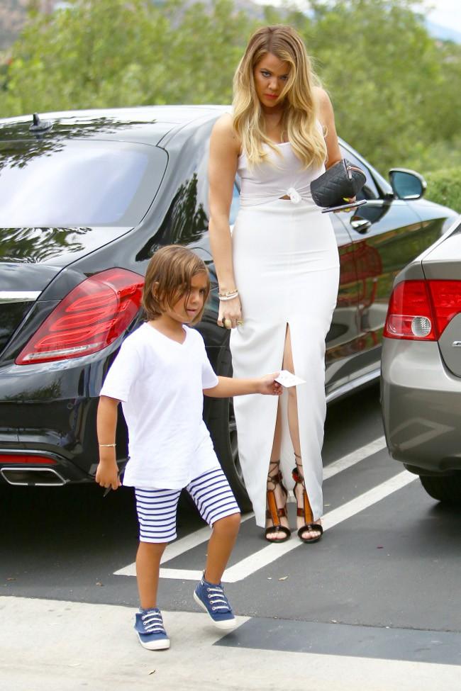 Khloé Kardashian et Mason à Agoura Hills le 21 juillet 2015
