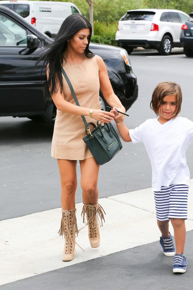 Kourtney Kardashian et Mason à Agoura Hills le 21 juillet 2015