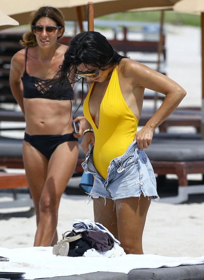 Kourtney Kardashian plus sexy que jamais à la plage à Miami ce mercredi 14 septembre