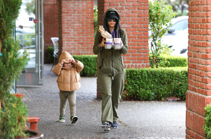 Photos : Kourtney Kardashian furieuse contre Justin Bieber, Scott vole à sa rescousse !