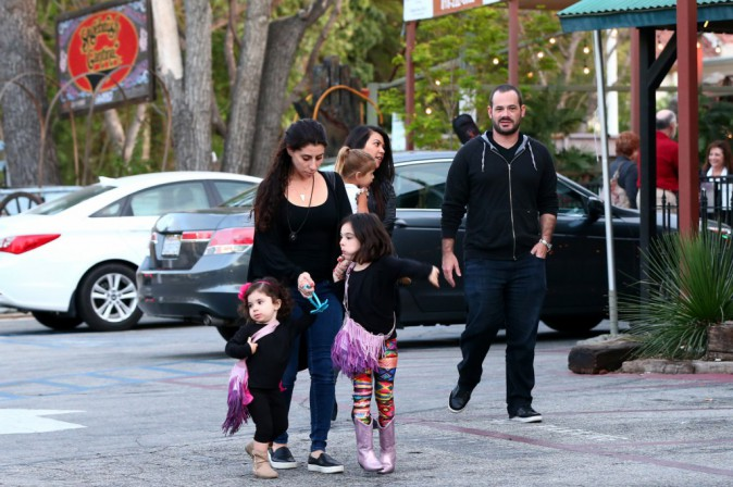 Photos : Kourtney Kardashian : l'Arménie ? Trop dangereuse pour ses enfants !
