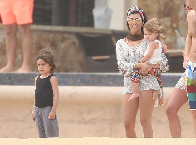 Kourtney Kardashian et ses enfants à Los Cabos le 19 avril 2014