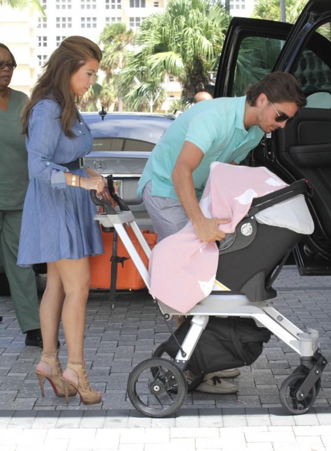 Kourtney Kardashian, Scott Disick et Penelope, Miami, 5 octobre 2012.
