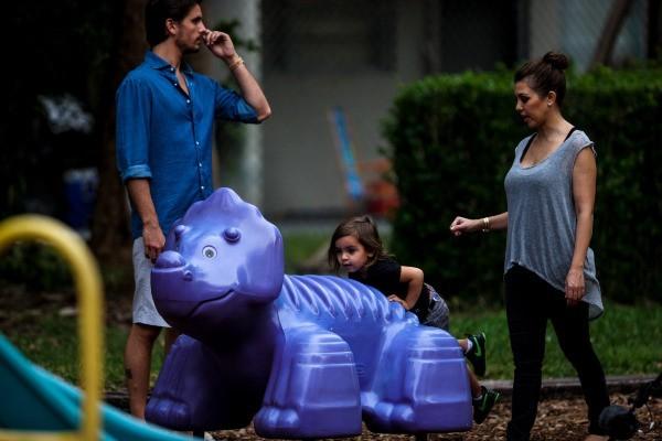 Kourtney Kardashian en famille à Miami, le 27 novembre 2012.