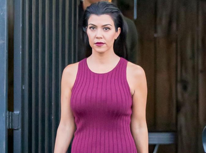 """Kourtney Kardashian passe en mode beauté fatale sur le tournage de """"Keeping Up"""" !"""