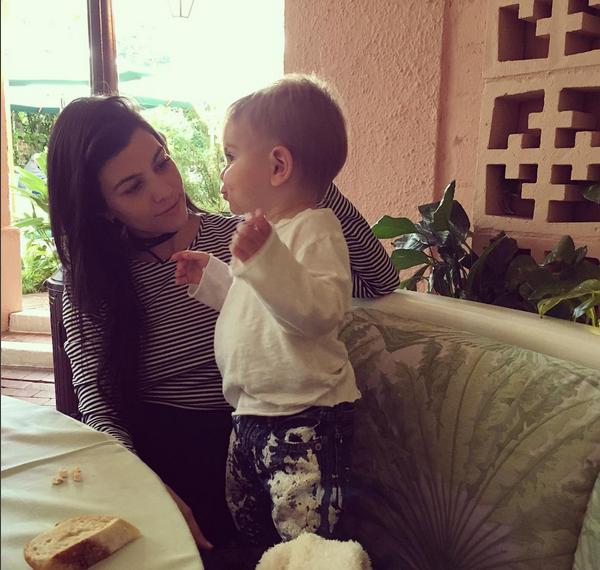 Photos : Kourtney Kardashian : plus besoin de Scott Disick, elle a son fils, Reign !