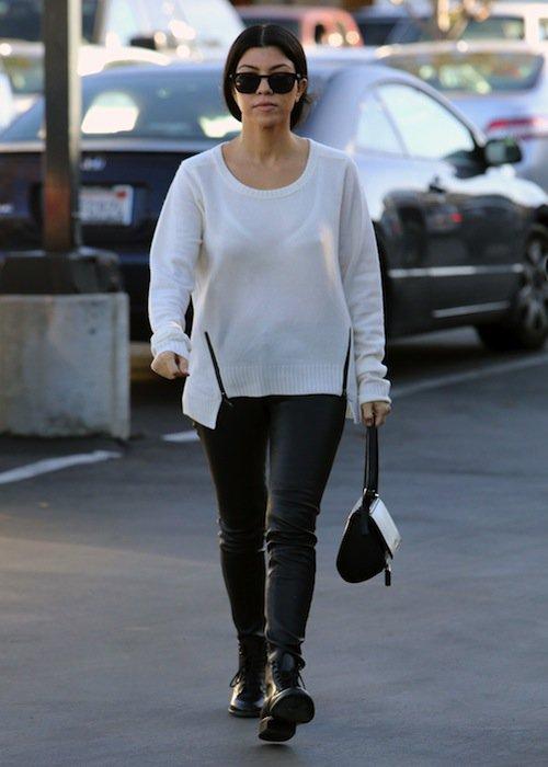 Kourtney Kardashian dévalise les magasins de jouets