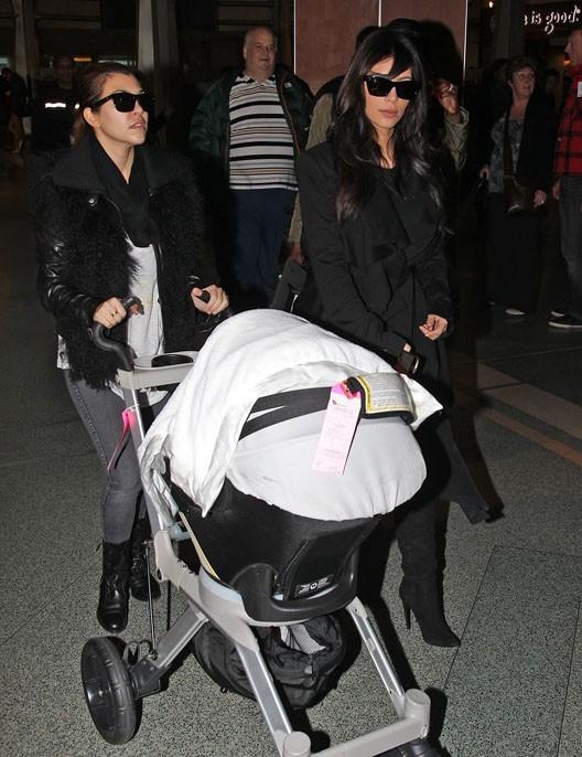 Kourtney Kardashian à l'aéroport de New-York le 14 janvier 2013