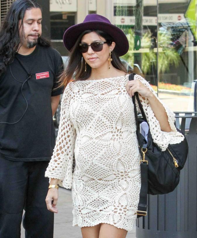 Kourtney Kardashian : une future maman lookée aux côtés de sa famille !
