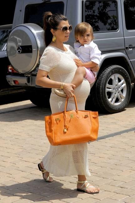 Kourtney Kardashian en famille à Malibu, le 24 mai 2012.