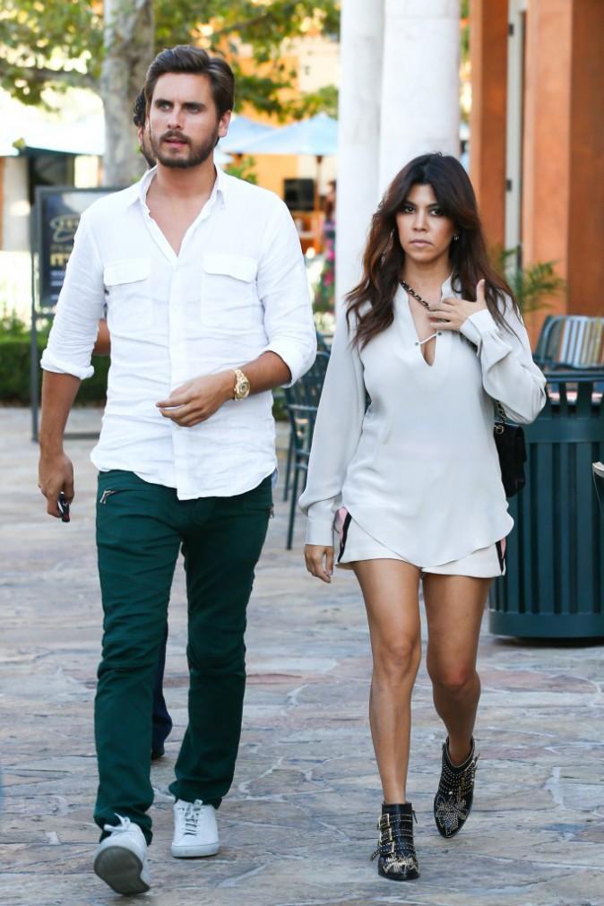 Kourtney Kardashian et Scott Disick à Calabasas, le 19 août 2013.