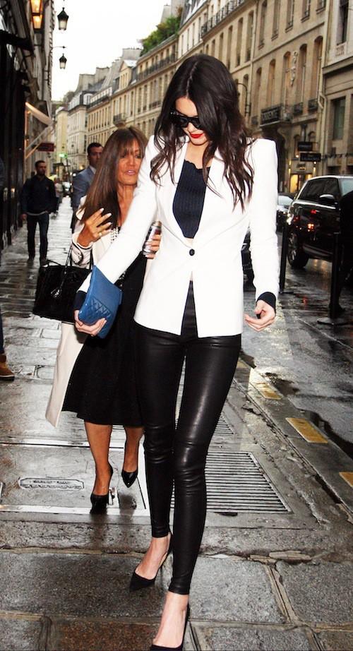 Kendall Jenner, rejoint ses soeurs pour un dîner en famille