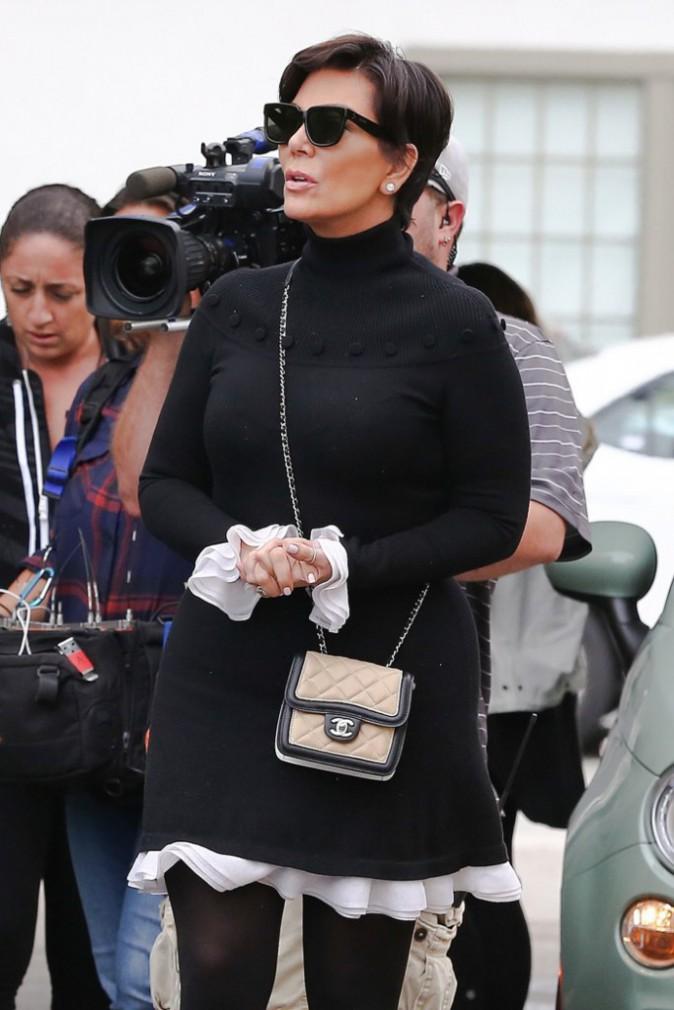 Photos : Kris Jenner : à peine sortie de l'hôpital, elle s'affiche chicissime devant les caméras !