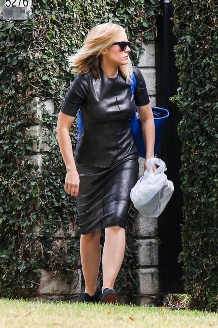 Photos : Kristen Bell : toute de cuir vêtue, la starlette de Veronica Mars essaye de se la jouer incognito !