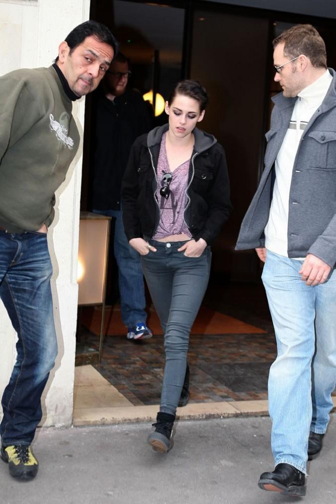 Kristen Stewart à la sortie du Meurice !