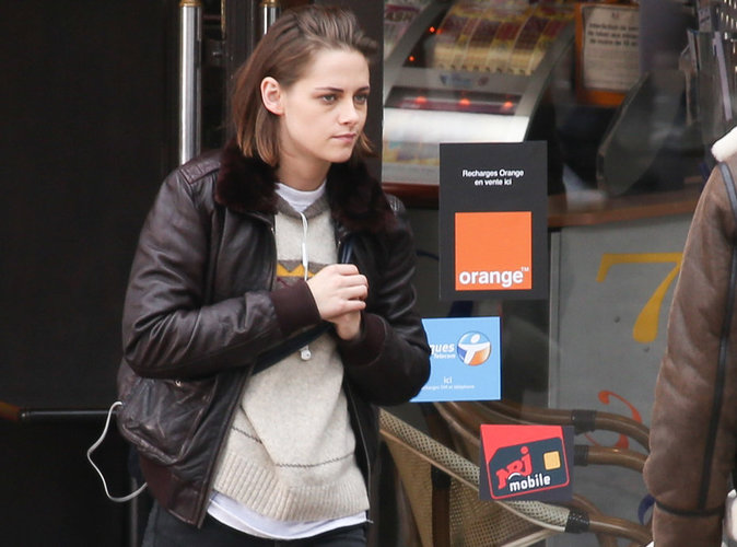 Kristen Stewart en tournage en région parisienne, elle passerait presque incognito !