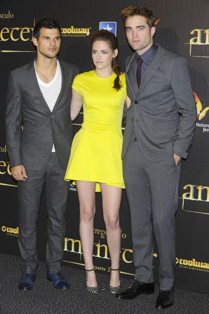 Taylor Lautner, Kristen Stewart et Robert Pattinson lors de l'avant-première de Twilight - Chapitre 5 à Madrid, le 15 novembre 2012.