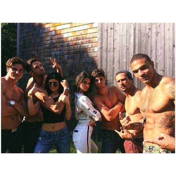 Kylie et Kendall Jenner : les deux brunettes savent très bien s'entourer !