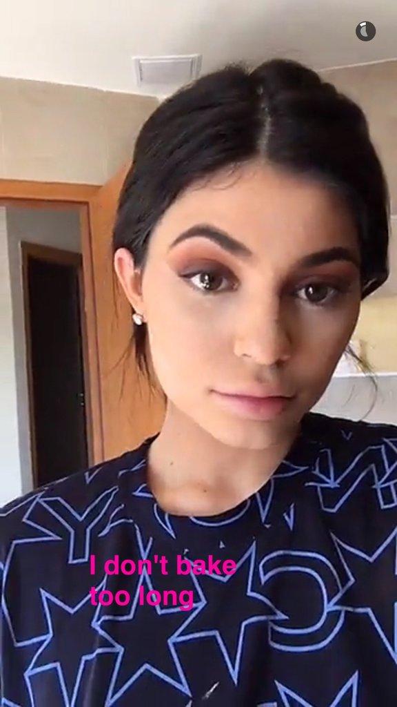 La routine beauté de Kylie Jenner : La poudre