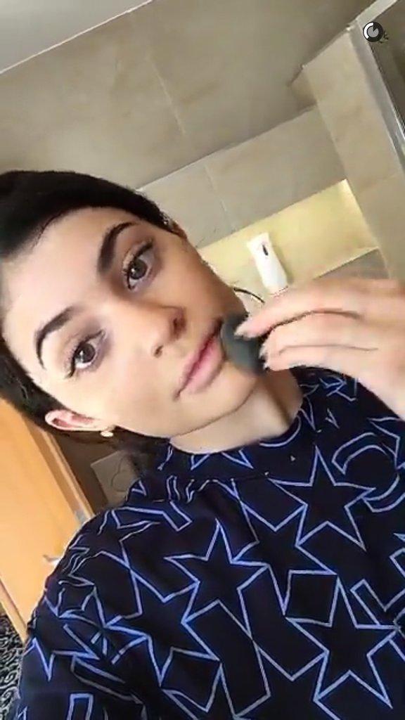 La routine beauté de Kylie Jenner : Le fond de teint