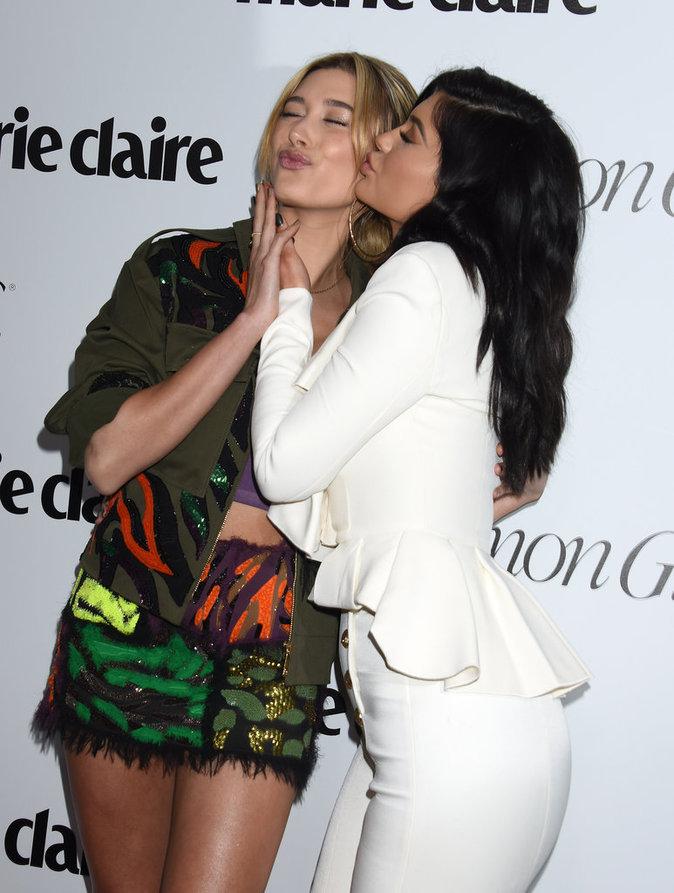 Hailey Baldwin et Kylie Jenner à la soirée Marie Claire ce lundi 11 avril 2016