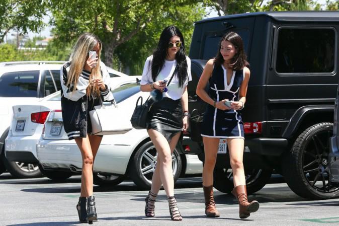 Kylie Jenner avec des amies à Calabasas le 16 août 2013
