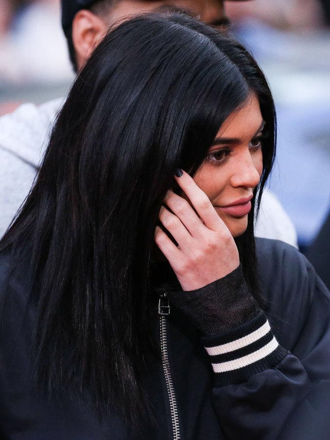 Photos : Kylie Jenner : pourquoi elle n'est pas au ski avec les Kardashian ?