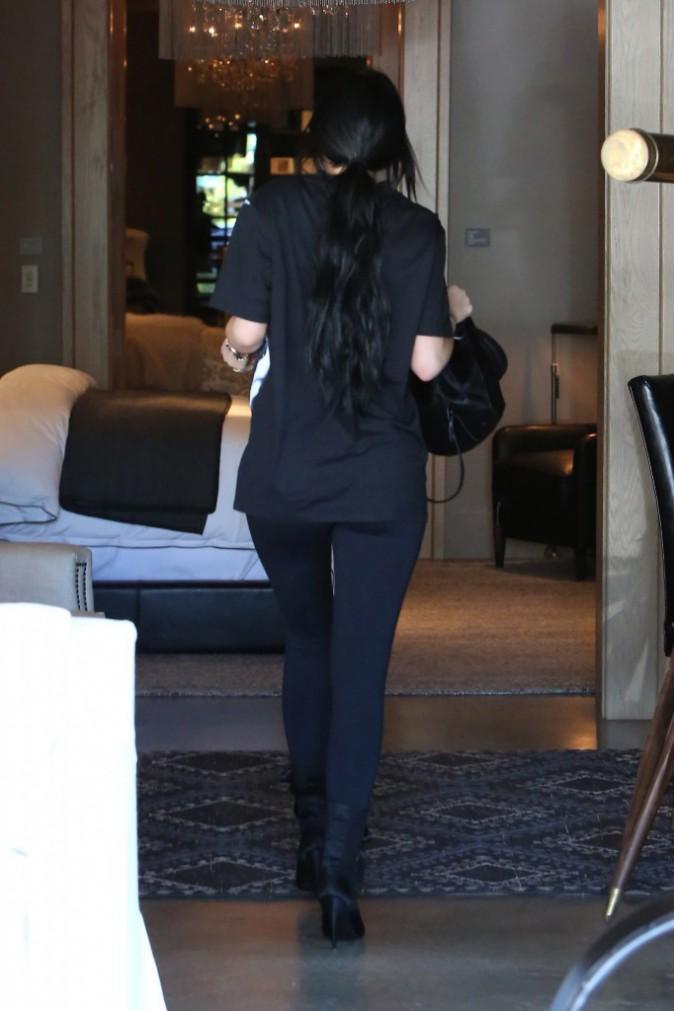 Photos : Kylie Jenner : shopping pour sa résidence, des meubles design sinon rien !
