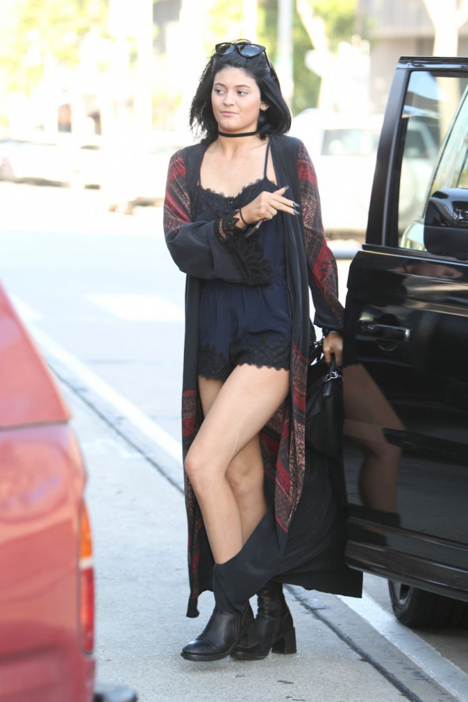 Photos : Kylie Jenner : surprise dans les bras du fils de Lionel Richie, elle s'affiche épanouie !