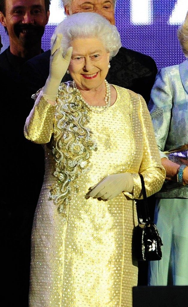 La reine est très heureuse !