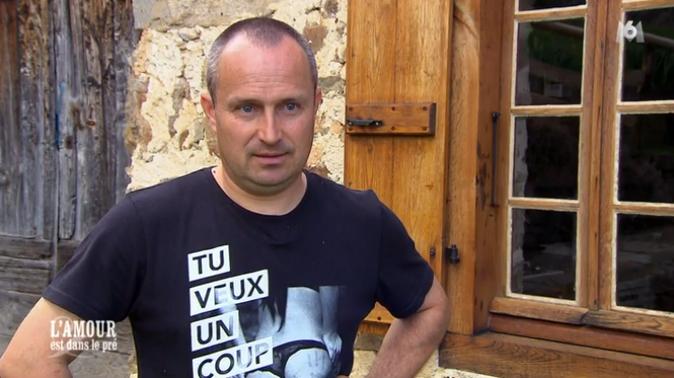 Oups ! Avez-vous vu le tee-shirt de Guillaume ?