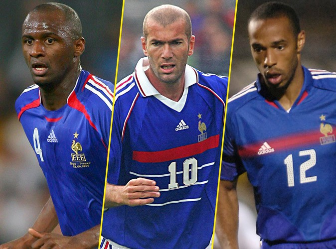"""L'équipe de France de foot rend hommage à ses """"centenaires"""" !"""