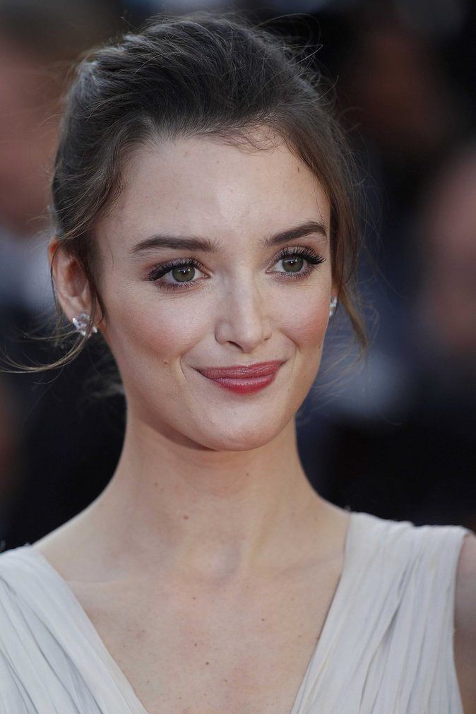 Photos : La jolie Charlotte Le Bon fête ses 29 ans ! Découvrez son CV Capillaire !