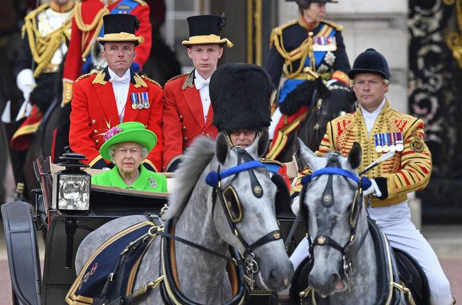 Le Prince William fête l'anniversaire d'Elizabeth II